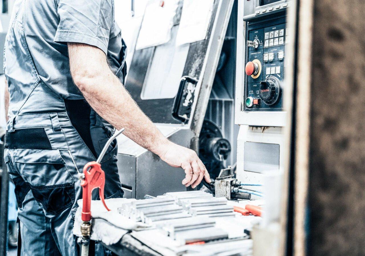 Einrichter & Bediener für CNC Maschinen (m/w/d)