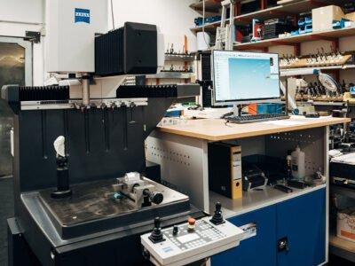 Inbetriebnahme unserer neuen Zeiss DURAMAX taktile Koordinaten-Messmaschine